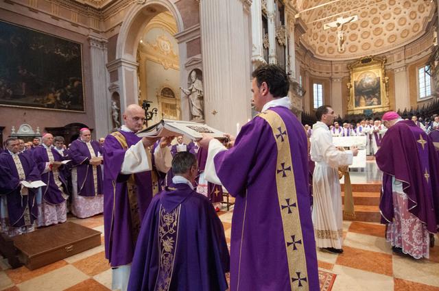 don_daniele_gianotti_ordinazione_vescovo_crema_r (2)